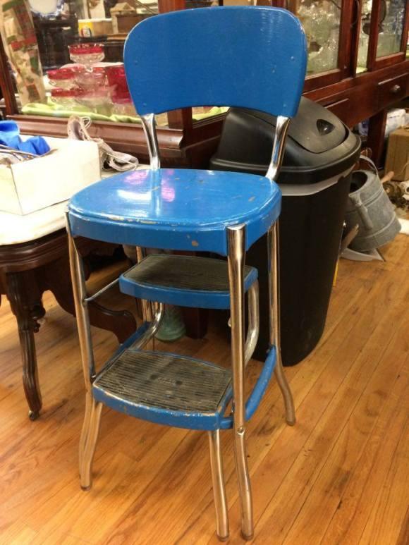 larry-stool1